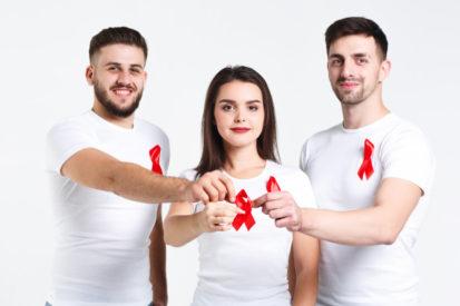 cari tahu informasi yang benar mengenai HIV/AIDS