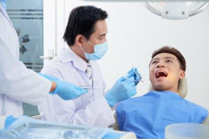 cegah kerusakan gigi akibat diabetes dengan rajin kontrol ke dokter gigi