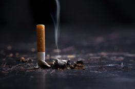 bahaya merokok untuk penyebaran covid-19