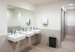 tips menggunakan toilet umum selama new normal