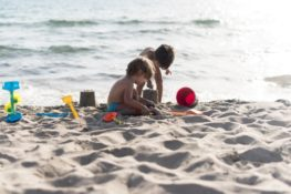 bahaya bermain pasir pada anak-anak