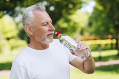 Banyak minum air putih mencegah anyang-anyangan