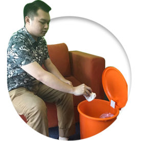 buang sampah bekas flu batuk